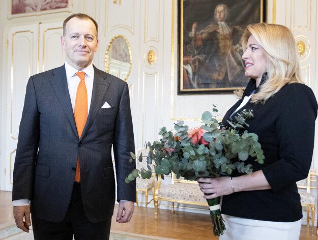 Voľby 2020: Predseda hnutia Sme rodina Boris Kollár a prezidentka Zuzana Čaputová počas prijatia v Prezidentskom paláci.