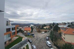 Výhľad z terasy bytu, v ktorom býval expremiér Robert Fico.