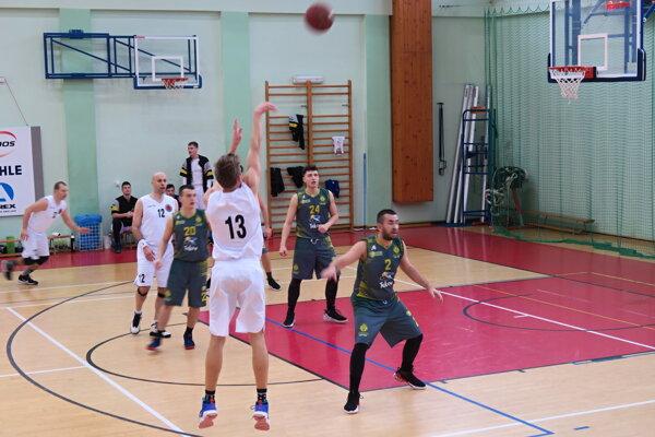 Dolný Kubín (v bielom) doma privítal levočské družstvo Juniori-Patrioti.