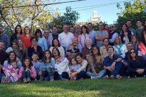 Zo stretnutia rodinného klanu Belvých v Argentíne.