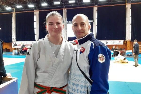 D. Fekiačová s trénerom R. Rácom.
