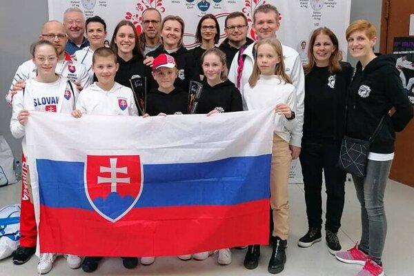 """Fanklub Slovenska –""""kumaďáci""""."""