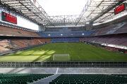 V Serie A sa hrá bez divákov.