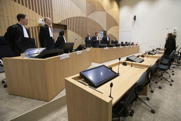 Súdna sieň v Amsterdame, kde prebieha súd v súvislosti so zostrelením civilného lietadla nad Ukrajinou.