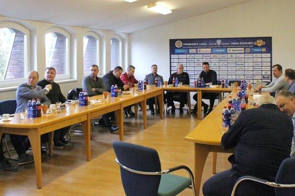 Vedenie Tipsport ligy sa s predstaviteľmi klubov zišlo vo Zvolene.