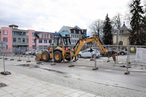 S rekonštrukciou sa začalo pri Sociálnej poisťovni.
