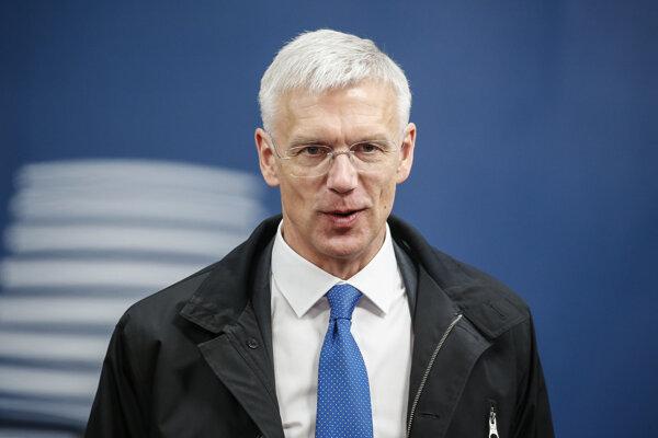 V karanténe je aj premiér Krišjanis Karinš.