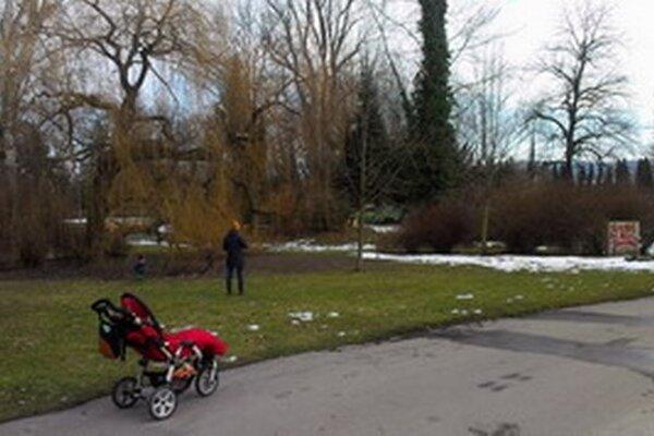 Park v Piešťanoch.