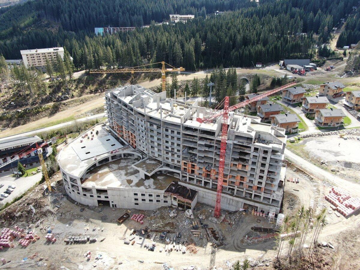 Aktivisti odovzdali petíciu na záchranu Demänovskej doliny do Národnej rady SR. Podpísalo ju 113 000 ľudí