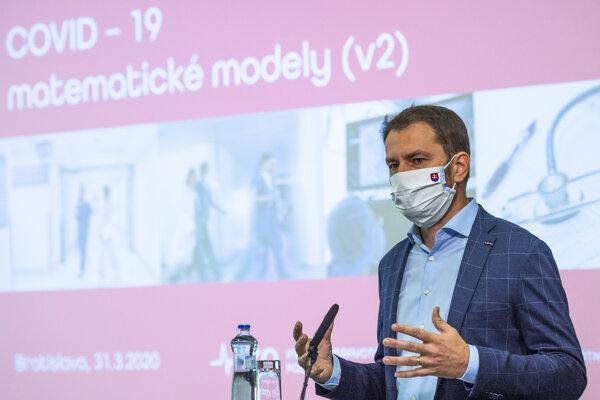 Predseda vlády SR Igor Matovič počas tlačovej konferencie k predpokladanému šíreniu koronavírusu na Slovensku 31. marca 2020 v Bratislave.