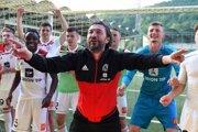 Jozef Liška sa okrem fyzického stavu hráčov AS Trenčín stará aj o dobrú náladu.