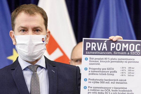 Premiér Igor Matovič počas tlačovej konferencie oekonomických opatreniach na pomoc zamestnancom, živnostníkom afirmám.