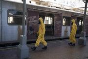 Dezinfekcia stanice v Riu de Janeiro.