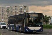 V popradských autobusoch mestskej hromadnej dopravy dostali vodiči špeciálne ochranné štíty.