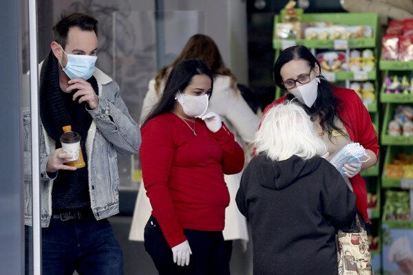 Rakúsko dosiaľ potvrdilo vyše 12-tisíc prípadov nákazy koronavírusu.