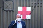 Koronavírus na Slovensku: Minister obrany SR Jaroslav Naď (OĽaNO) navštívil Ústrednú vojenskú nemocnicu SNP Ružomberok.