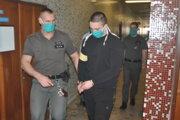 Michal na súde, po verejnom zasadnutí bol prepustený z väzby.