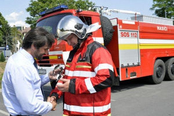 Žarnovickí hasiči dostali zrepasovanú Tatru 815.