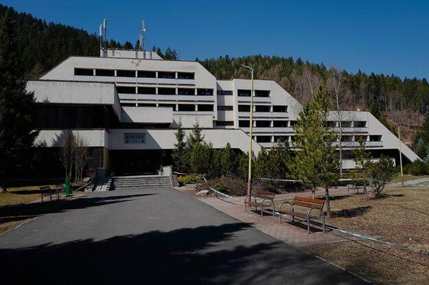 Jedno z karanténnych centier pre nový koronavírus  v zariadení Ministerstva vnútra Slovenskej republiky - Kúpeľno-rehabilitačný ústav Bystrá v Liptovskom Jáne.