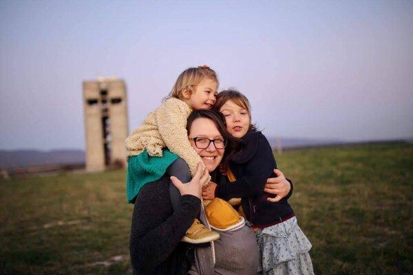 Alžbetka Filipová s dcérami.