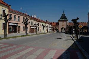 Košická ulica v Levoči  počas opatrení kvôli pandémii nového koronavírus.