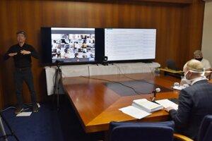Zasadnutia zastupiteľstva Trnavského samosprávneho kraja sa konalo prvýkrát prostredníctvom videokonferencie.