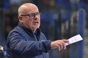 Tréner Popradu Peter Mikula.