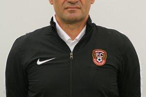 Za hranicami naposledy pôsobil v kazašskom FC Šachťar Karaganda.