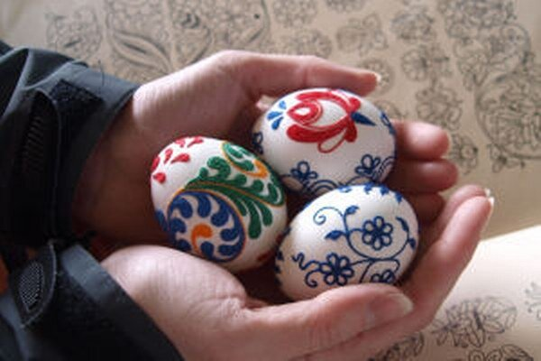 Vajíčka inšpirované motívmi zo zbierky ornamentov starého otca.