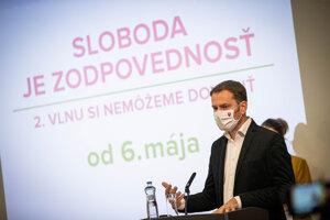 Premiér Igor Matovič hovorí o otvárané prevádzok.