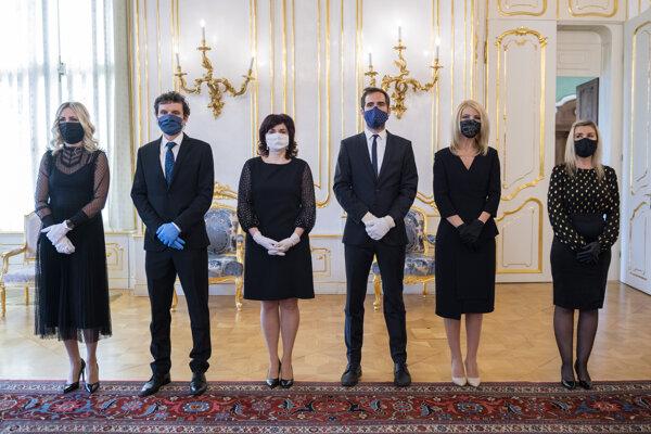 Šiesti noví sudcovia, ktorých vymenovala na okresné súdy prezidentka SR Zuzana Čaputová.
