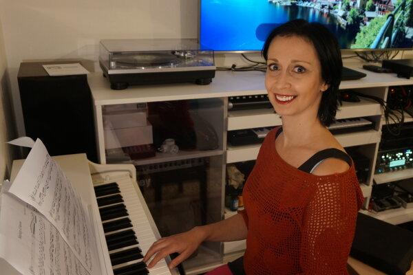 Učiteľka Viki Vargočková pre svojich prvákov začala natáčať videá s učivom na YouTube.