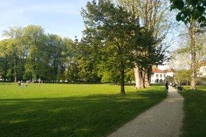 Otvorený park  pri hrade Budatín