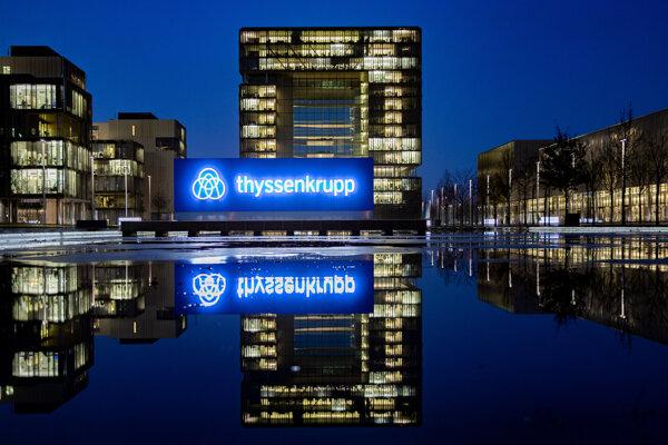 Na archívnej snímke z 20. novembra 2019 sídlo budovy nemeckého priemyselného konglomerátu Thyssenkrupp v Essene.