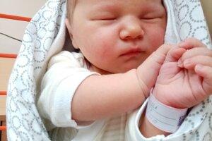 Ella Gagová (3980g, 51cm) sa narodila 2.mája Petrovi a Annamárií z Hornej Súče.