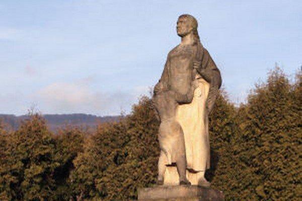 Pamätník pripomínajúci tragické udalosti.