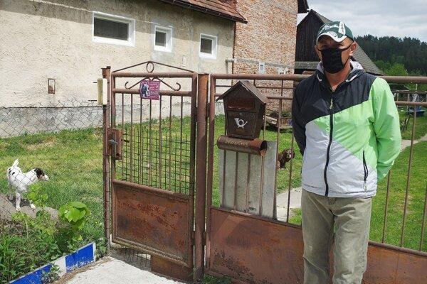 Jozef hovorí, že sa našlo veľa ochotných ľudí, ktorí chceli pomôcť. Je na Slovensku a môže sa postarať o chorú priateľku.