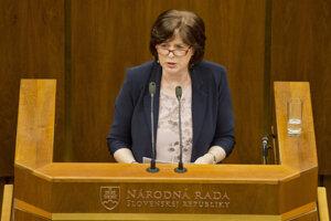 Monika Smolková mala kedysi v Smere členský preukaz s číslom 11. Pred rokom zo strany odišla, dnes otvorene kritizuje jej predsedu a bývalého spolustraníka Roberta Fica.