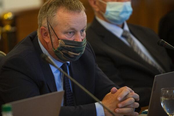 Juraj Kliment počas zasadnutia Súdnej rady.
