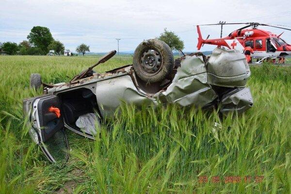 Pri nehode zasahovali aj leteckí záchranári.