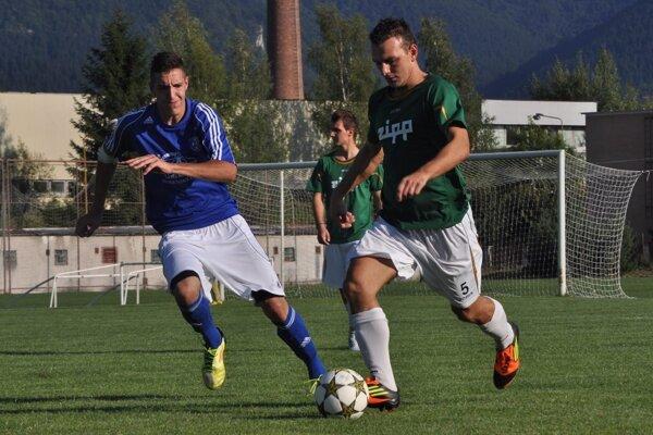 Anton Fekula (v modrom) v drese Starej Bystrice.