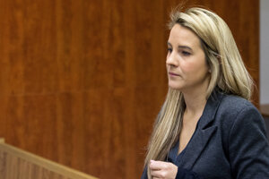 Dcéra Mariana Kočnera Karolína počas súdneho pojednávania v kauze falšovania zmeniek TV Markíza.