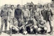 Jedna z prvých fotiek futbalového mužstva Mútneho.