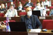 Proti zmene organizačnej štruktúry boli koaliční aj opoziční poslanci.