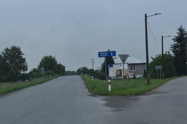 Cesta na Valkov.