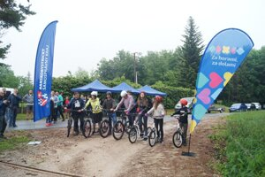 Slávnostné zahájenie prevádzky novej turistickej atrakcie v okolí Jelšavy.