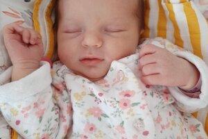 Ema Kováčová (3520 g a 49 cm) sa narodila 13. marca Martine a Marcelovi z Kvašova. a doma sa na ňu tešil brat Alex