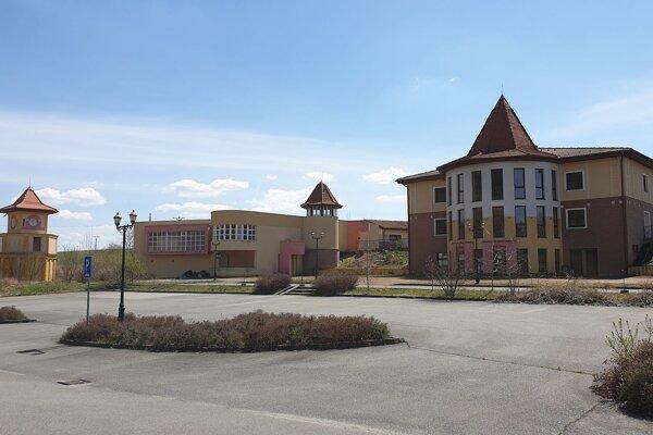 Opustený Domica Resort pri Kečove chátra.