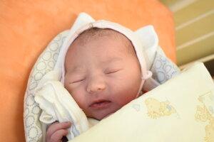 Alžbeta Chamutyová (3920 g, 50 cm) sa narodila 9. júna Dominike a Richardovi zo Skalky nad Váhom.