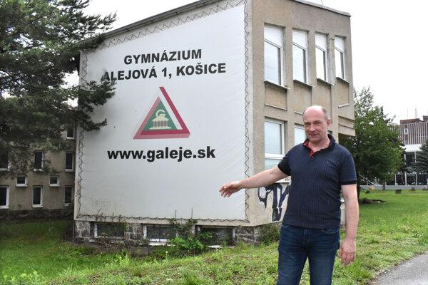 KSK hovorí o pochybeniach riaditeľa Ľubomíra Sobeka.
